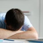 【研究紹介】睡眠不足はエネルギー摂取量を増やす
